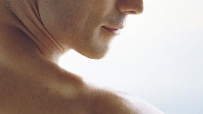 Épilation masculine : quelles solutions pour se débarrasser des poils ?