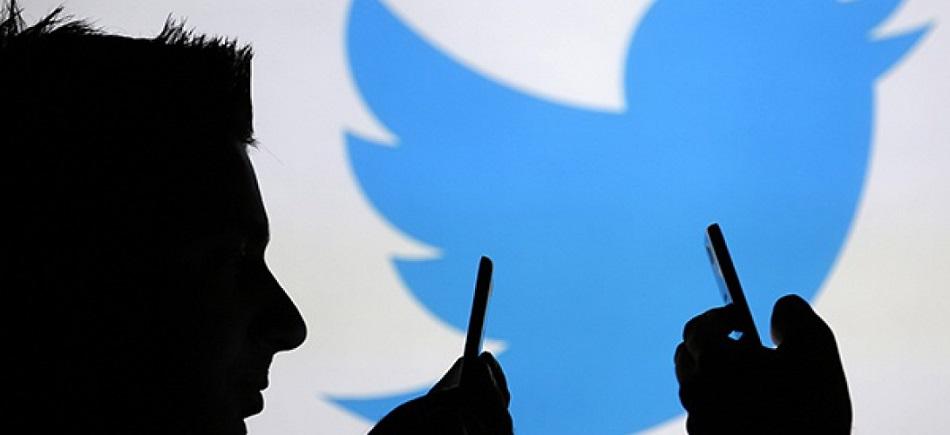 Twitter en entreprise doit-on gazouiller au boulot2