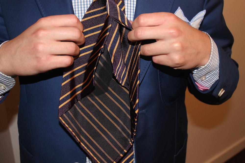 le foulard pour homme  la nouvelle cravate tendance