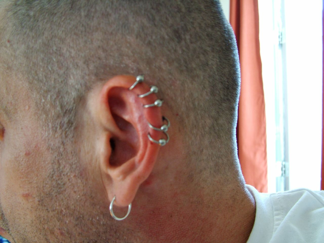 le piercing helix   une tendance  u00e0 adopter