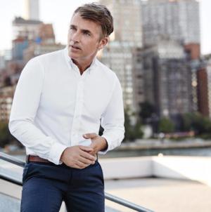 Comment bien porter la chemise blanche ?