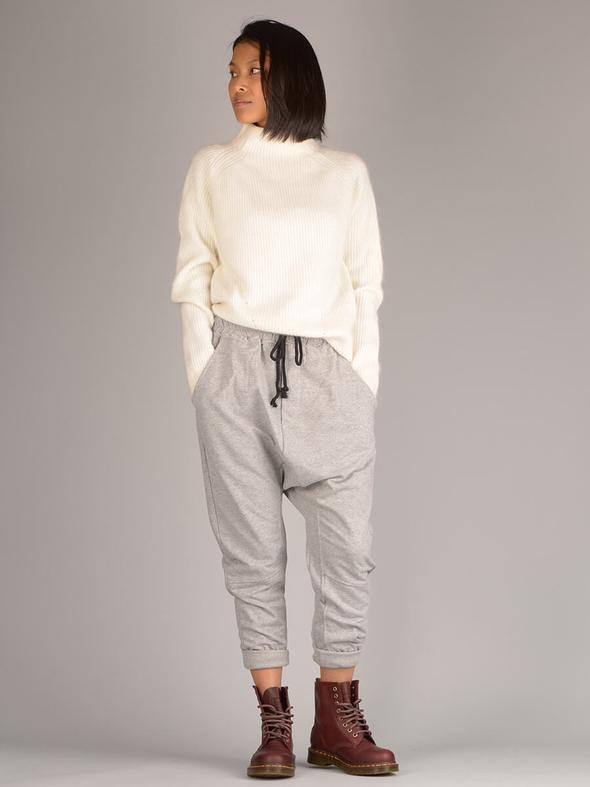 sarouel   zoom sur ce pantalon bouffant et unisexe