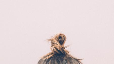 Bons gestes et entretien des cheveux gras