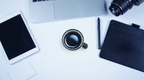 Idées cadeaux : offrir un accessoire mobile ou gadget high-tech
