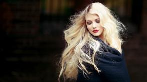 Extension de cheveux : comment gagner en longueur et en volume ?