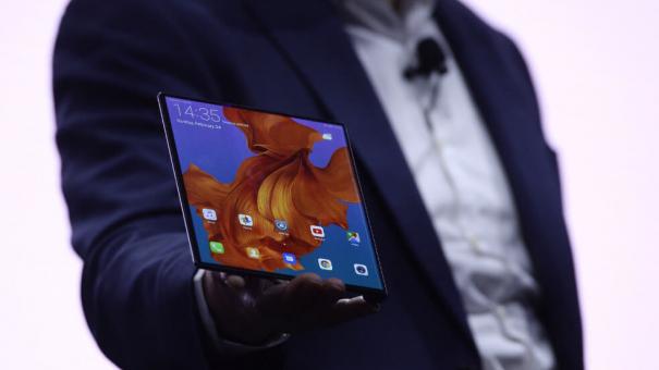 Huawei présente le Mate X, son smartphone pliable