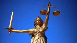 La start-up qui va vous aider à choisir votre avocat