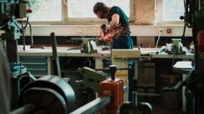 Le mobilier d'atelier professionnel désormais accessible à tous