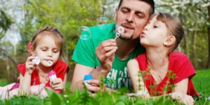Argent de poche : quand, comment et combien donner mon enfant ?