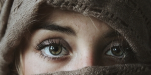 Comment atténuer naturellement les rides autour des yeux ?