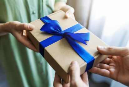 Quel cadeau offrir à une femme de 20 ans ?
