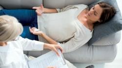 Hypnose régressive : avantages et limites à connaître